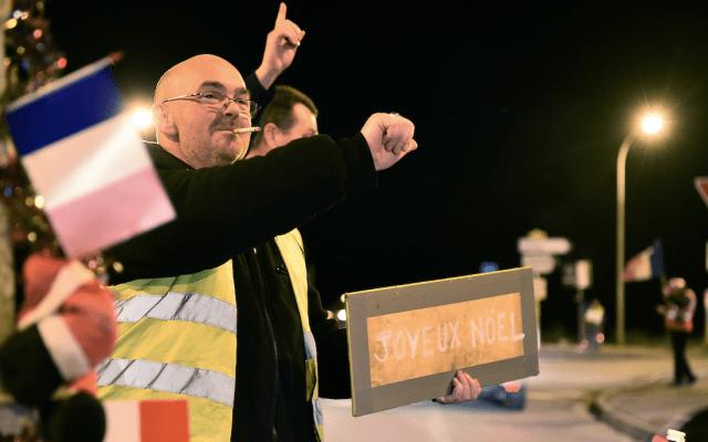 Chalecos amarillos contemplan crear partido político - Foto de AFP
