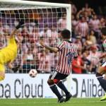 #Video Ángel Zaldivar anota el primer gol en el Chivas vs Kashima - Foto de @FIFAcom