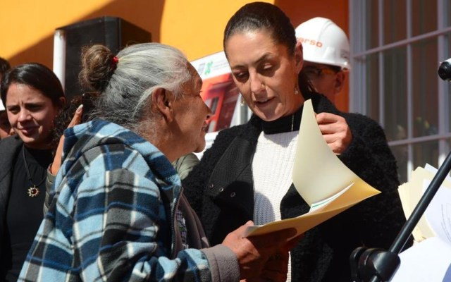 Entregan casas a afectados por sismo en Xochimilco