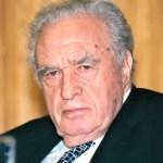 Familia de Julio Scherer declina aceptar la Medalla Belisario Domínguez