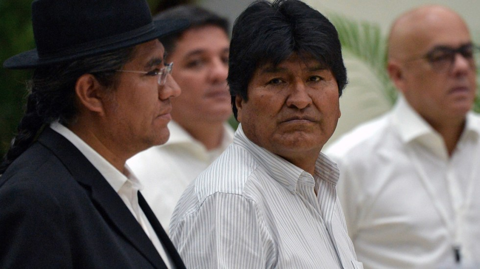 Presentan denuncia contra funcionarios que permitieron candidatura de Evo Morales en Bolivia - Foto de AFP