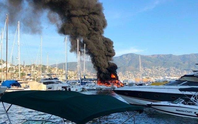 Explosión de embarcación deja tres heridos en Acapulco