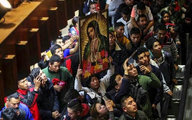 Metrobús interrumpirá servicio en Líneas 6 y 7 por peregrinos - Feligreses en la Basílica de Guadalupe. Foto de @INBGuadalupe
