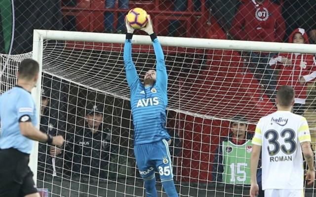 Diego Reyes finaliza año con empate de Fenerbahçe - Foto de @Fenerbahce