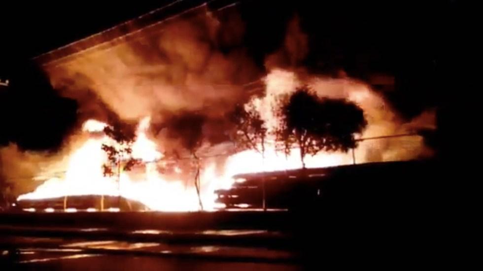 #Video Controlan fuerte incendio en el Bordo de Xochiaca - Incendio