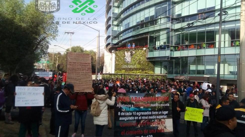 Caos en Periférico Sur por manifestación - Foto de CDMX