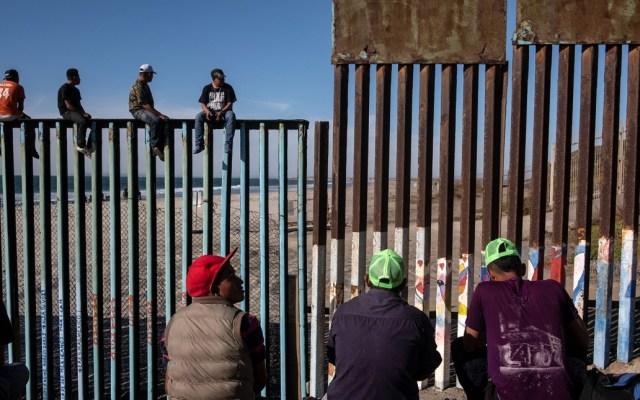 Corte Suprema se opone a prohibición de asilo de migrantes que cruzan de México - Foto de AFP