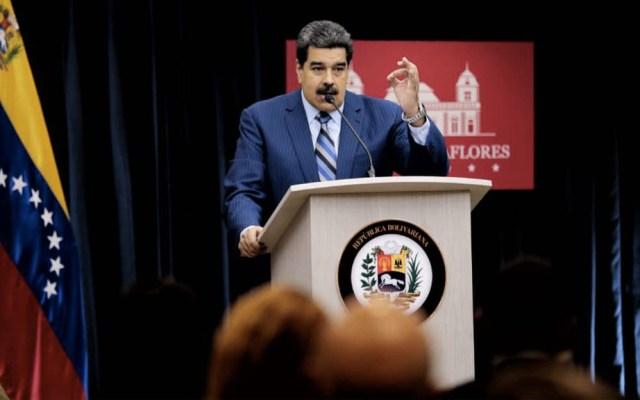"""""""Si se quieren ir de Venezuela, ahí está el aeropuerto"""": Maduro a embajadores - Foto de @NicolasMaduro"""