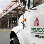 Pemex podría pagar la mitad de su deuda si se frena el robo de gasolina: Bursamétrica - Pemex Refinación. Foto de Internet