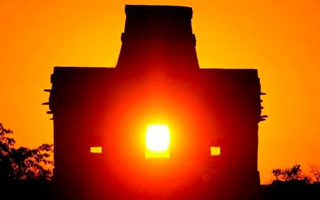 Aprecian solsticio de invierno en zonas arqueológicas de Yucatán - Foto de Expreso