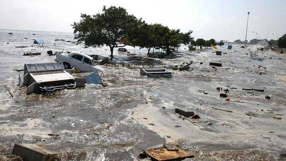 Crece a 430 la cifra de muertos por el tsunami en Indonesia