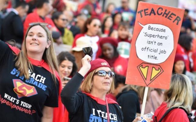 Maestros llegan a acuerdo para finalizar huelga en Los Ángeles - maestros finalizan huelga en los ángeles