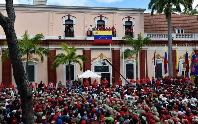 Solo el 15 por ciento de venezolanos aprueban a Nicolás Maduro - El presidente de Venezuela, Nicolás Maduro, rompe relaciones con Estados Unidos. Foto de AFP.
