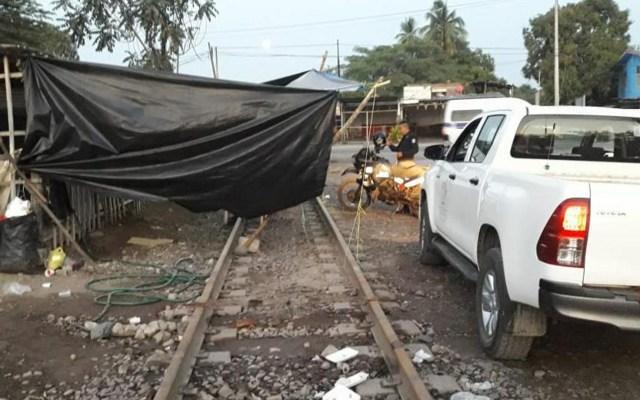 Aureoles pide a Espriú hacerse responsable de bloqueo de la CNTE - Bloqueo de la CNTE en líneas ferroviarias de Michoacán. Foto de Notimex
