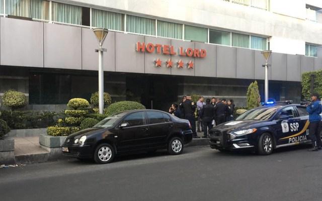 Asesinan a dos personas en hotel de la Doctores - Foto de @MojicaAg
