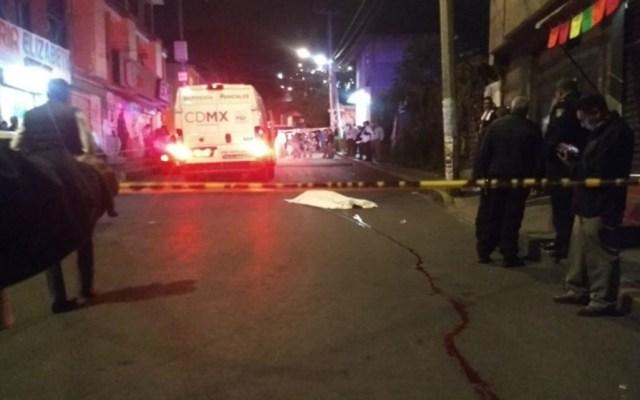 Balacera deja un delincuente muerto y un policía herido en Iztapalapa - Foto de Quadratín