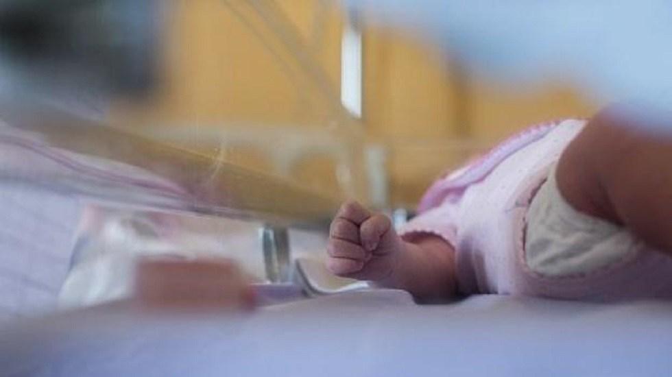 Muere el bebé internado grave por golpiza de su papá - Bebé en hospital. Foto de Internet