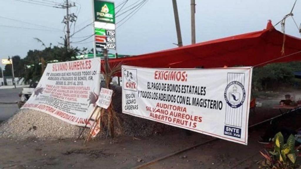 Continúan bloqueadas las vías férreas en Michoacán: Ferromex - bloqueos vías férreas michoacán