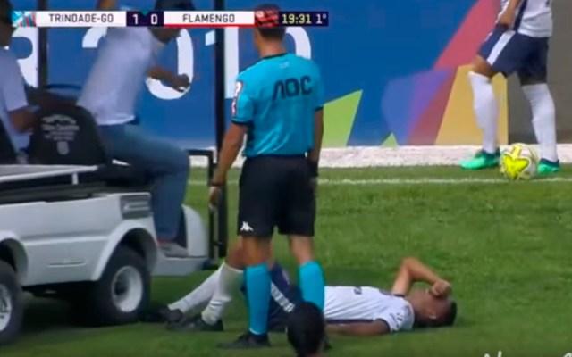 #Video Jugador lesionado es atropellado por carro de las asistencias