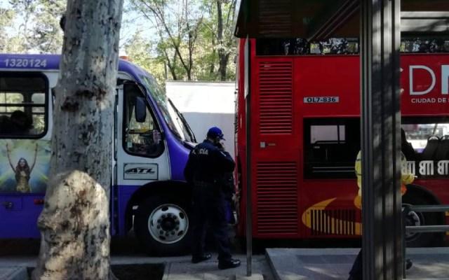 Choca camión ATL contra Metrobús en Paseo de la Reforma - choque microbús metrobús