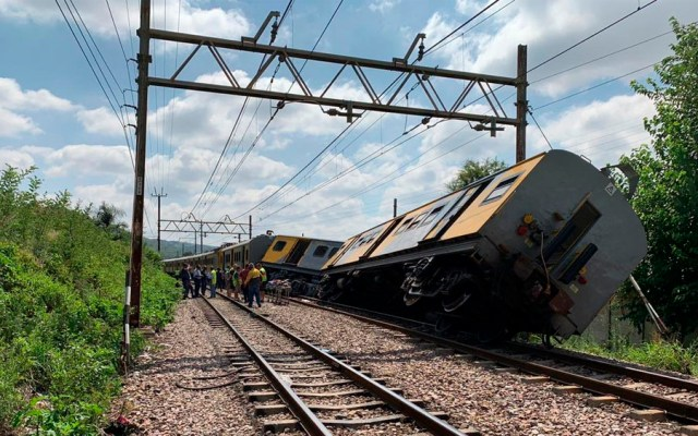 Choque de trenes deja cuatro muertos y más de 200 heridos en Sudáfrica - Foto de @Abramjee