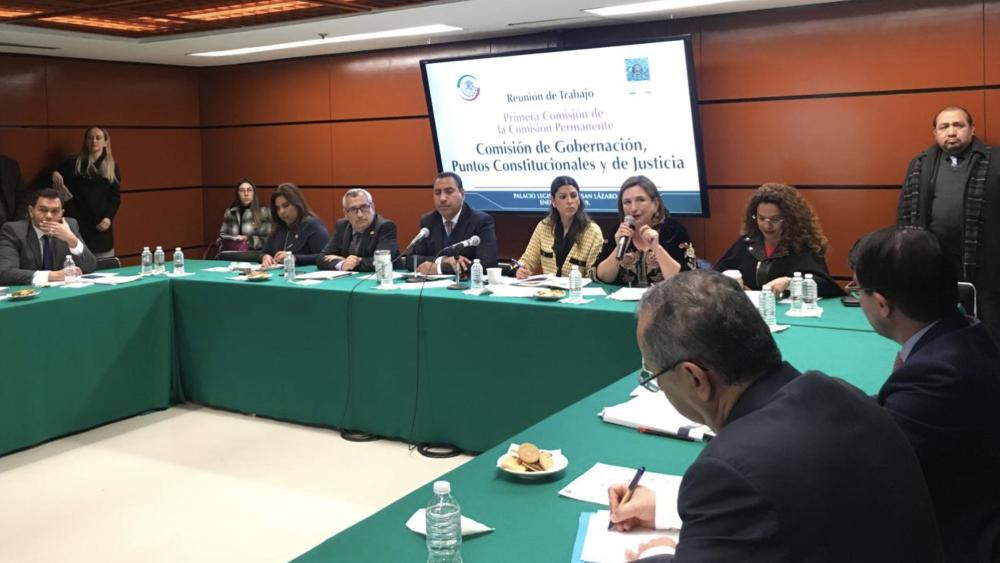 Avanza dictamen sobre prisión preventiva; plantea 'huachicoleo' como delito grave - Foto de @XochitlGalvez