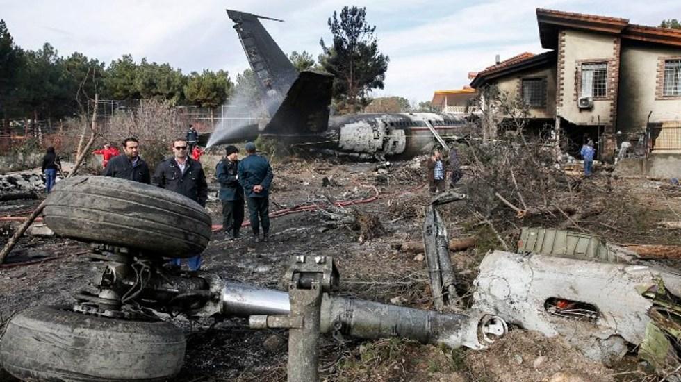 Mueren 15 personas tras estrellarse avión en Irán - Foto de AFP