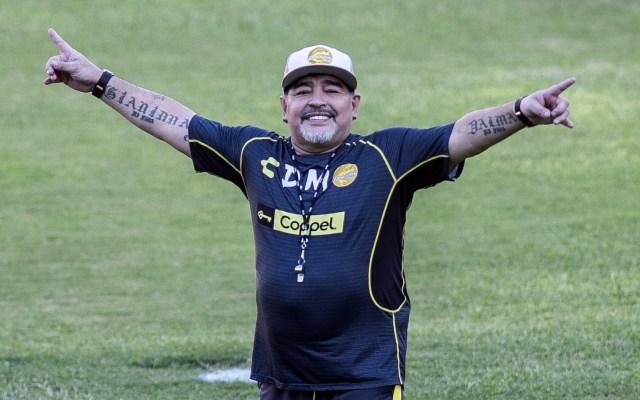 Maradona arremete contra Infantino por propuesta para Qatar 2022 - Foto de AFP