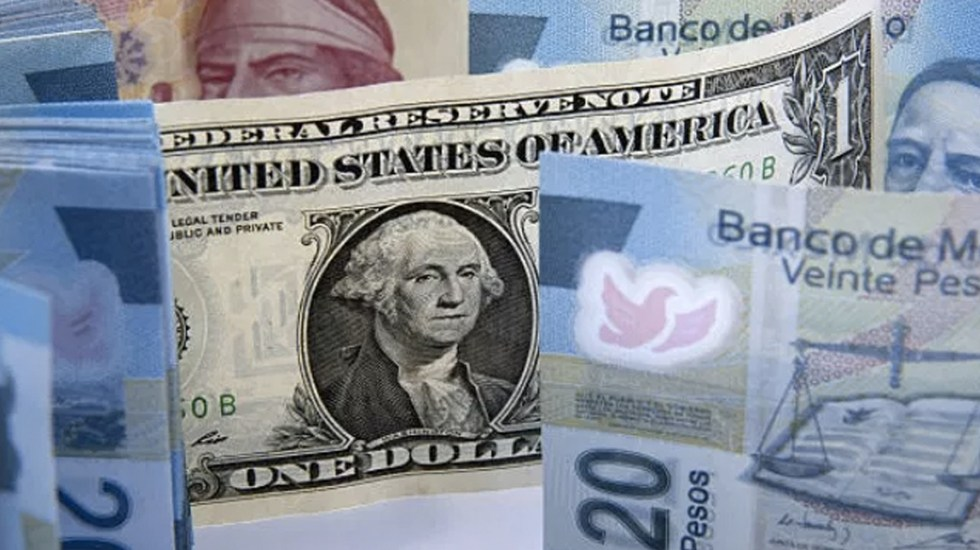 Dólar se vende hasta en 19.55 pesos en bancos - dólar peso