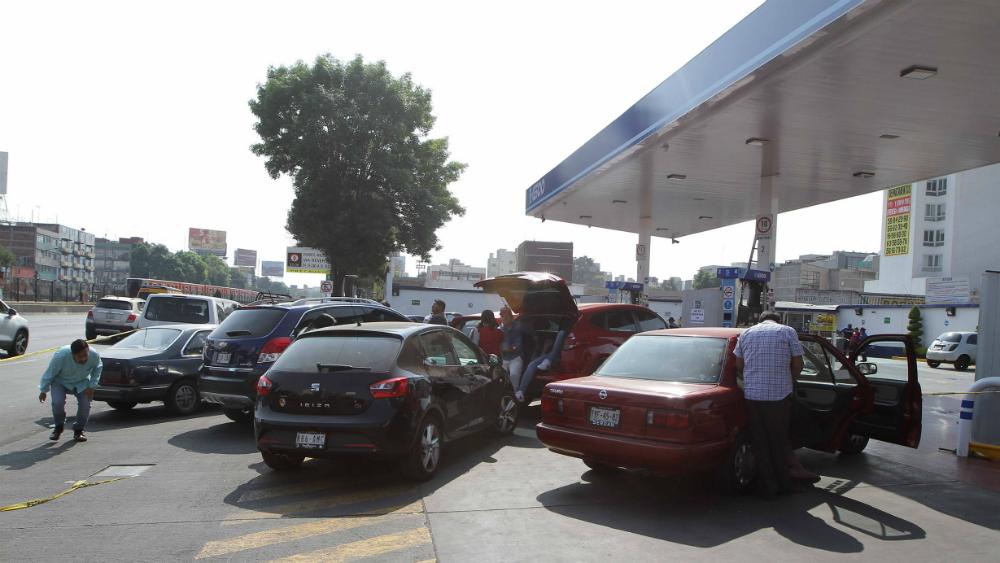 Retraso en distribución de gasolina afecta servicios de aseguradoras. Noticias en tiempo real