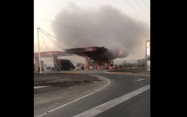 #Video Incendio en una gasolinera de Jalisco - Foto de @DiegoEGH