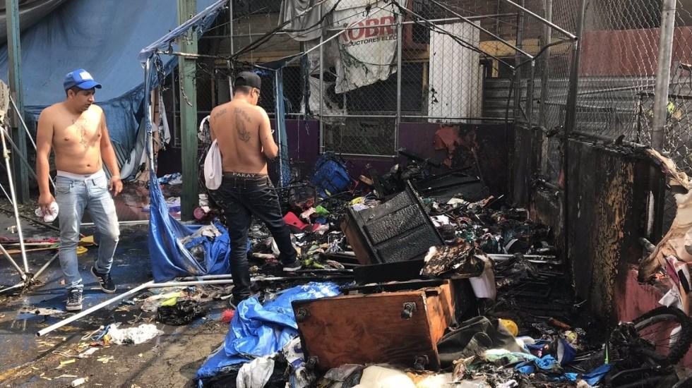 Se incendia campamento de damnificados del Multifamiliar Tlalpan - Foto de @DUCDMX