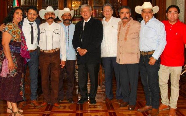 López Obrador se reúne con familiares de Emiliano Zapata - López Obrador se reúne con familiares de Emiliano Zapata