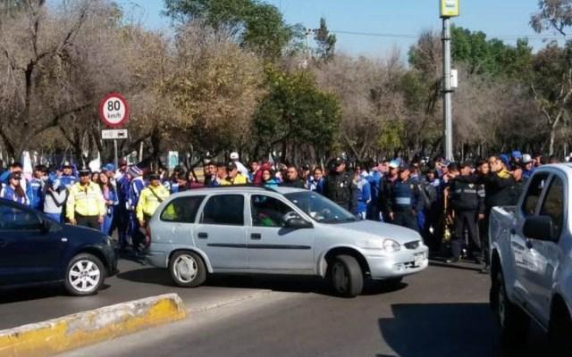 Estudiantes de la ESEF bloquean Río Churubusco - manifestación río churubusco