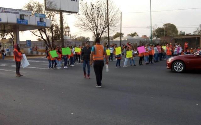Trabajadores del NAIM se manifiestan en la Autopista Peñón-Texcoco - Foto de @chanclavieja2