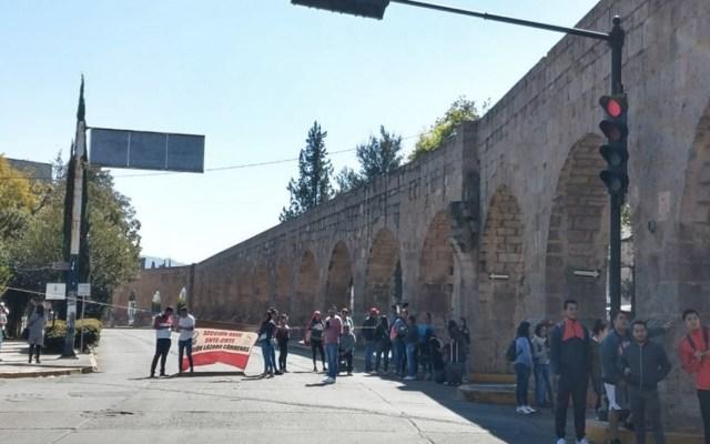 Pese a descuentos, CNTE no retirará bloqueos en Michoacán - Foto de Quadratín