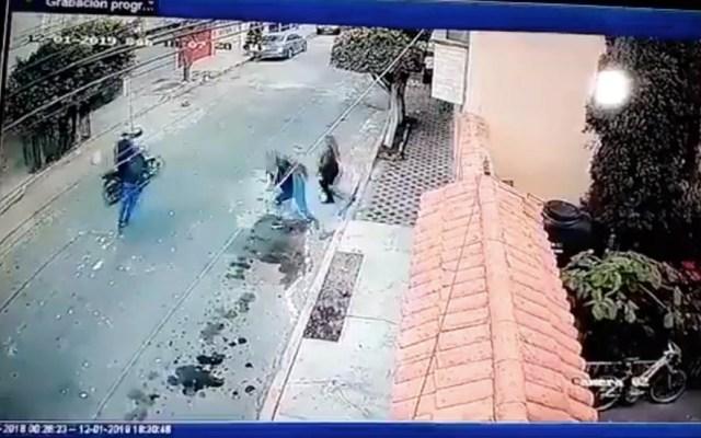 #Video Mujeres enfrentan a asaltantes en Nezahualcóyotl - Captura de pantalla