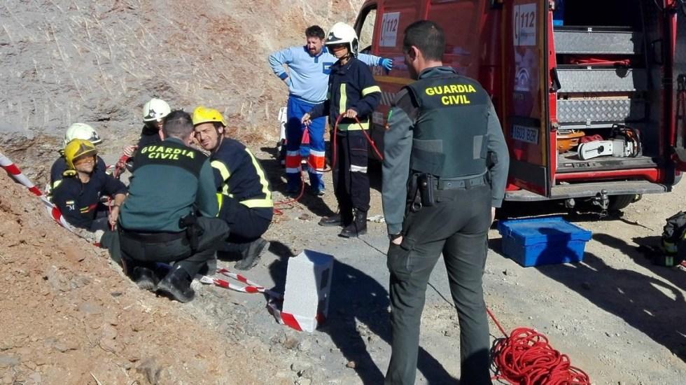 Autoridades buscan a menor que cayó a pozo en España - Foto de @Paco_Guzman_