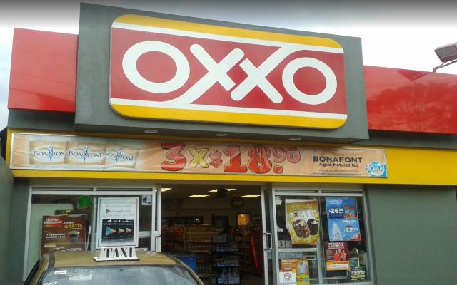Balean a mujer policía al frustrar asalto a Oxxo - Foto de google Maps.