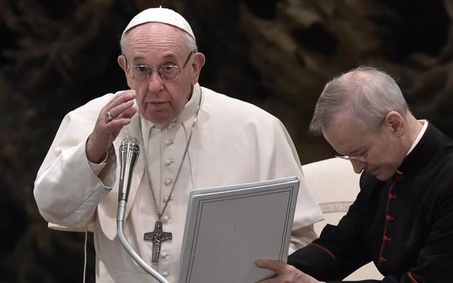 Papa Francisco aprueba extirpación del útero si embarazo no es viable - Papa Franciso en audiencia en el Vaticano. Foto de AFP / Tiziana Fabi