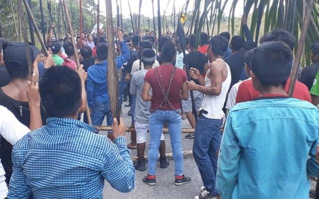 Indígenas secuestran a 24 funcionarios en Perú - Foto de @Servindi