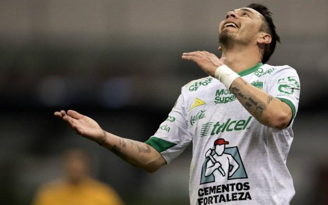 León informa que Rubens Sambueza sufrió fractura - Foto de Mexsport