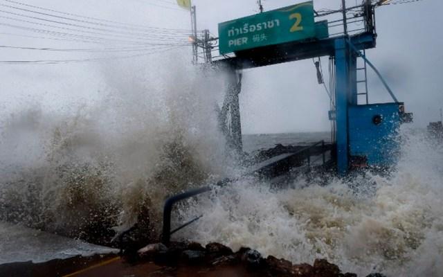 Tormenta tropical 'Pabuk' golpea sur de Tailandia - Foto de Lillian SUWANRUMPHA / AFP