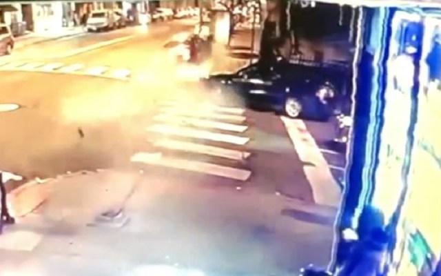 #Video Conductor ebrio destroza su auto en impactante choque - Accidente de auto en New Jersey. Captura de pantalla