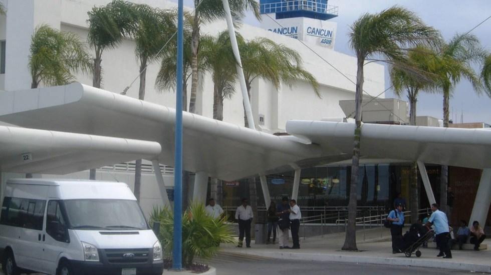 Detienen a pasajero con miles de dólares y euros en Aeropuerto de Cancún - Foto de Aeropuertos.net
