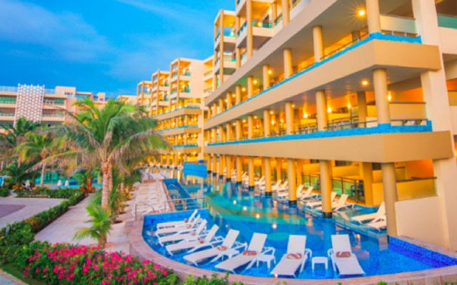 Roban hotel en construcción en Playa del Carmen - roban un millon de pesos en hotel de quintana roo