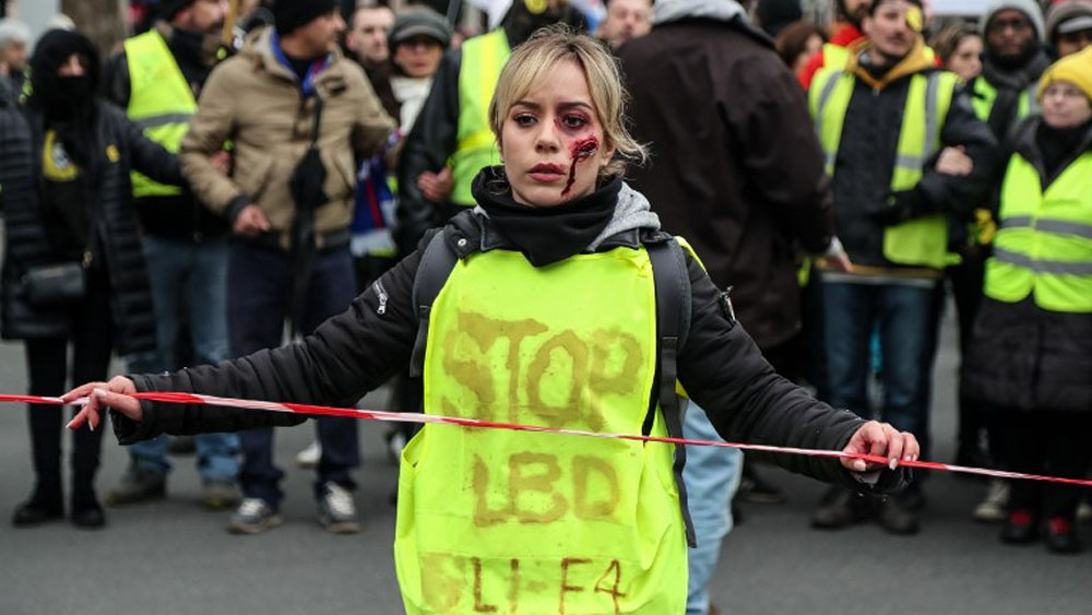 Chalecos amarillos protestan contra violencia policial en Francia - Foto de Zakaria ABDELKAFI / AFP