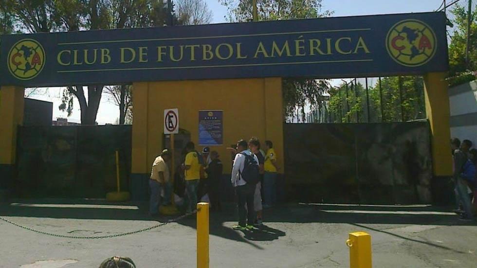 Roban ropa de instalaciones del Club América - Foto de @David_SantiagoH