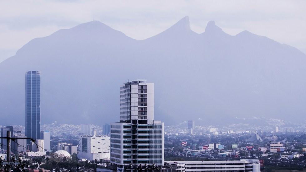Valle de México y Monterrey, las ciudades con mayor competitividad en México - Contaminación en Monterrey, NL. Foto de UANL
