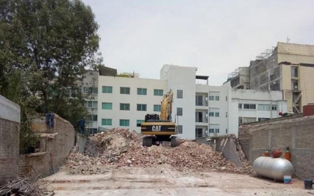 CDMX integra Mesa de Demoliciones a Plan de Reconstrucción - Demolición de inmueble colapsado por el sismo del 19-09-18. Foto de @ReconstruccionCDMX